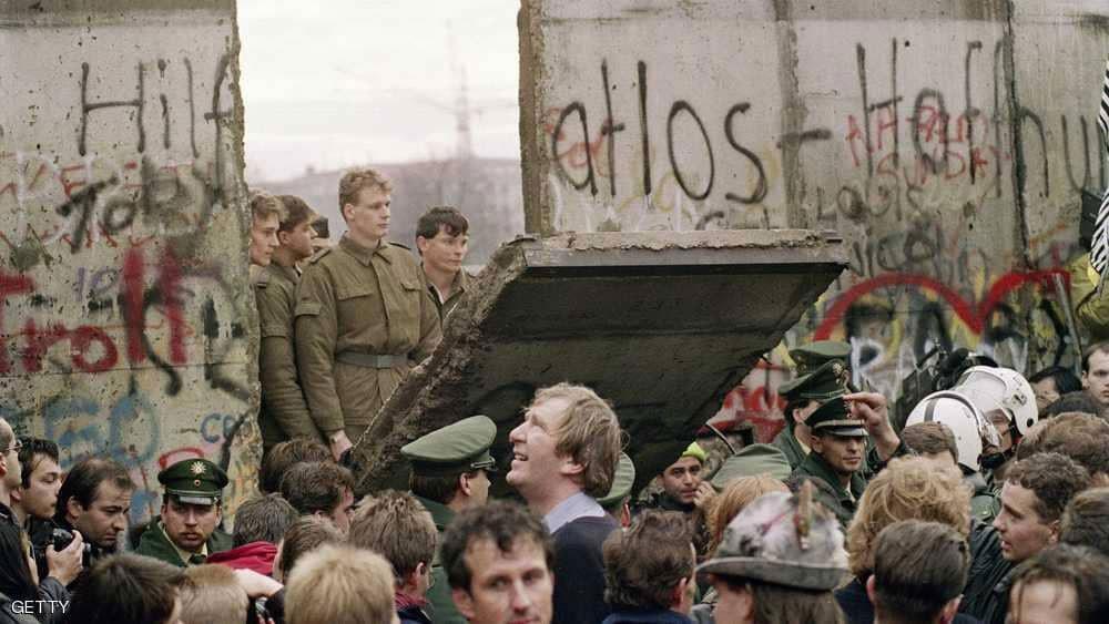 ألمانيا تستعيد جدار برلين الشهير