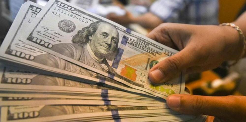 الدولار يصعد مع تلاشي أثر انفراجة اتفاق التجارة بين أمريكا والمكسيك