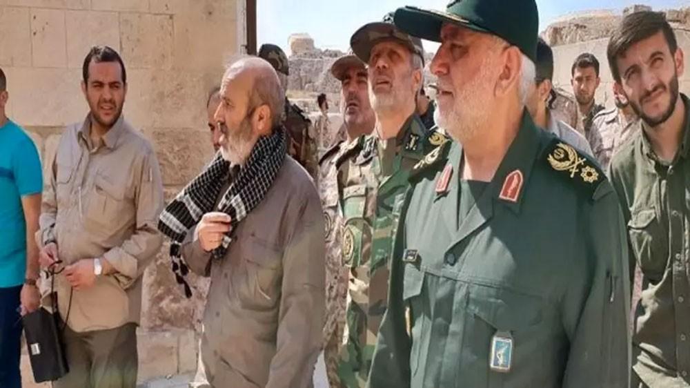 وزير دفاع إيران يلتقي قادة ميليشيات تدعمها طهران في حلب