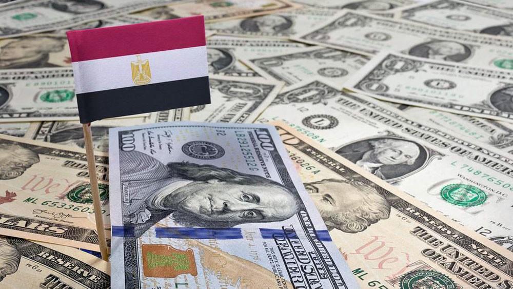 """هروب """"الأموال الساخنة"""" يؤرق حكومة مصر"""