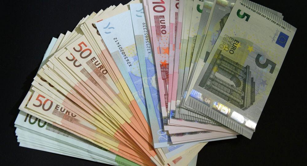 الأكبر في أسبوع... اليورو يتراجع أمام الاسترليني