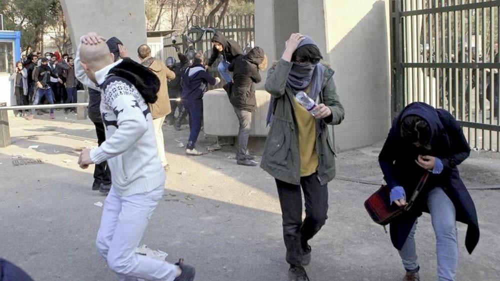 """""""هيومن رايتس"""" تطالب إيران بالتحقيق في مقتل 30 متظاهراً"""