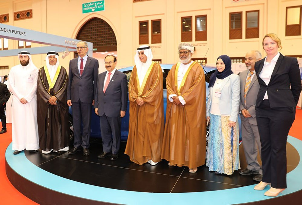 وزير الصناعة يفتتح مؤتمر ومعرض الابتكار في التنقل المستدام