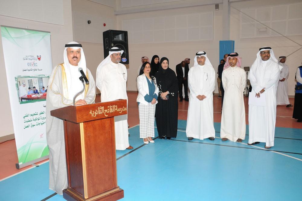 وزير التربية يطمئن على استعدادات المدارس ويلتقي المعلمين الجدد