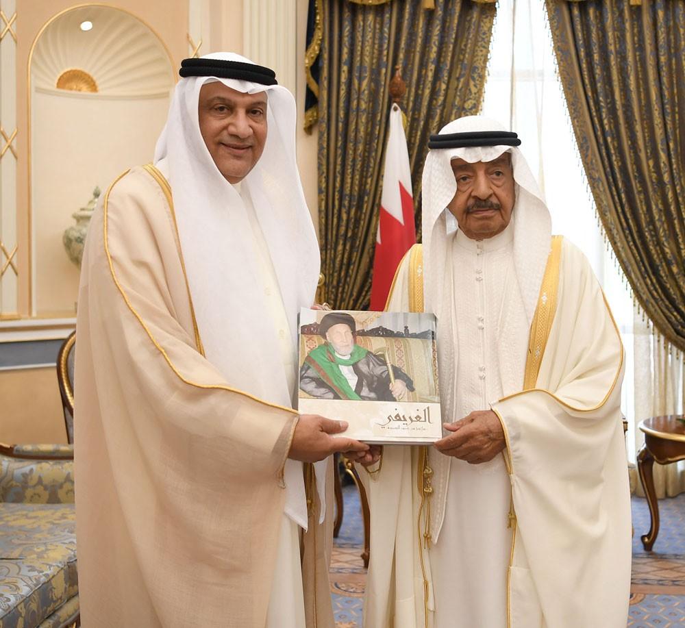 سمو رئيس الوزراء يستقبل السيد محمد جعفر الغريفي