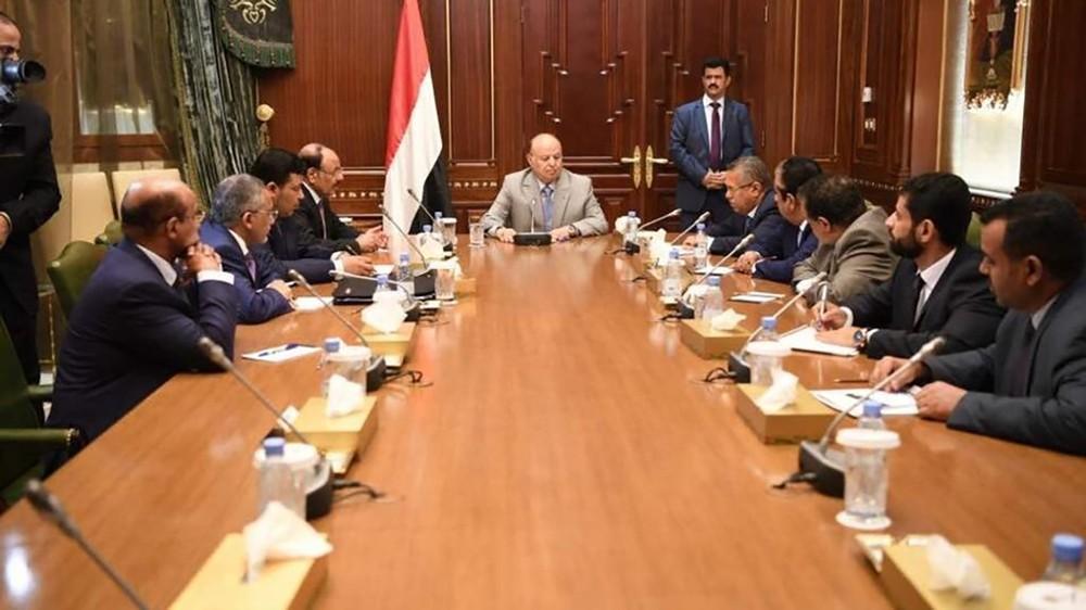 الرئيس اليمني يوجه بزيادة مرتبات القطاع المدني 30%