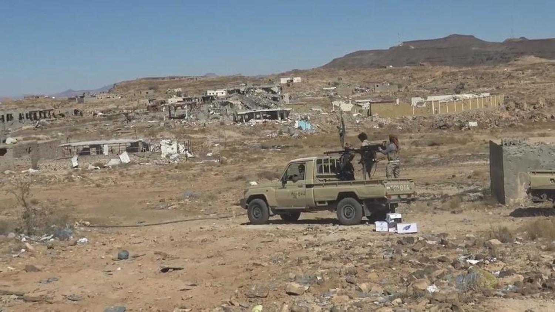 """الجيش اليمني يحاصر """"مران"""" مسقط رأس زعيم الحوثيين"""