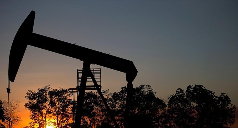 بفعل زيادة إنتاج أوبك وأمريكا...هبوط أسعار النفط
