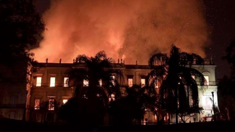 حريق ضخم يلتهم متحف ريو دي جانيرو الشهير