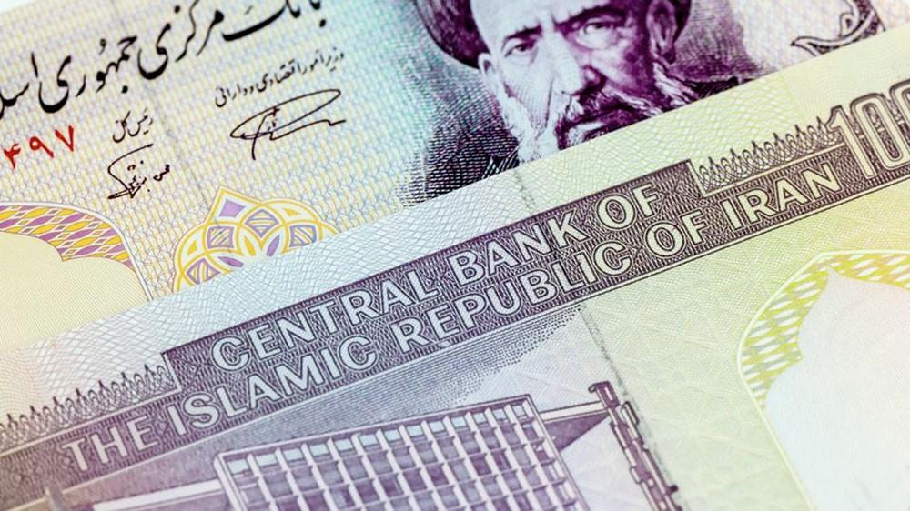 عملة إيران تعود للهبوط.. 120 ألف ريال لكل دولار