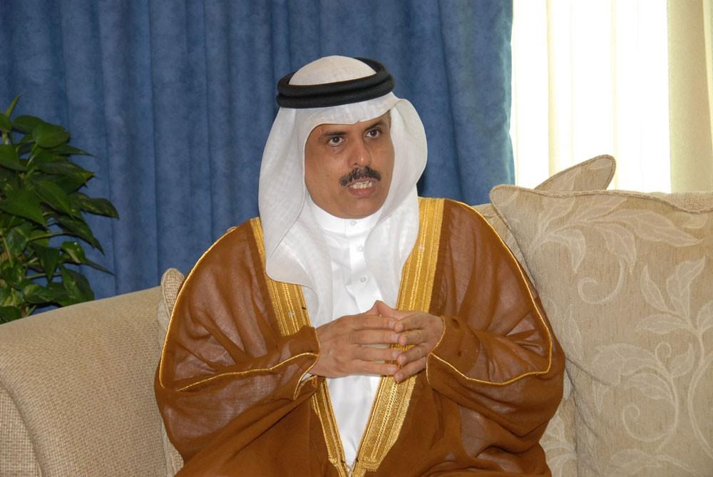 وزير التربية يعلن عن ترقية 496 موظفًا بحرينيًا