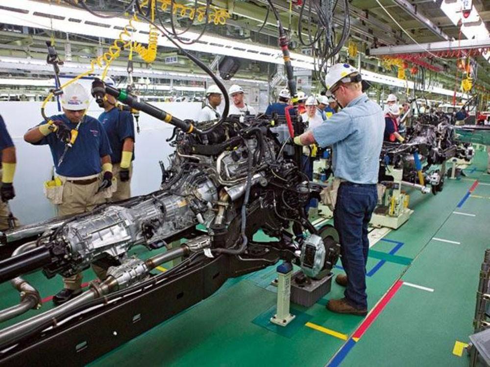 مصانع بريطانيا تتضرر من الاقتصاد العالمي مع تراجع طلبيات التصدير