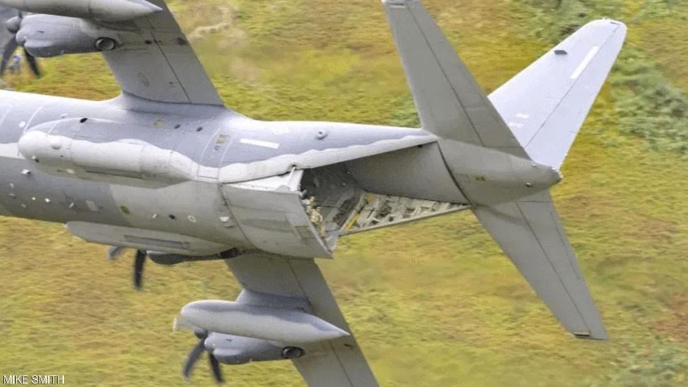 سلوك مخيف على متن طائرة عسكرية