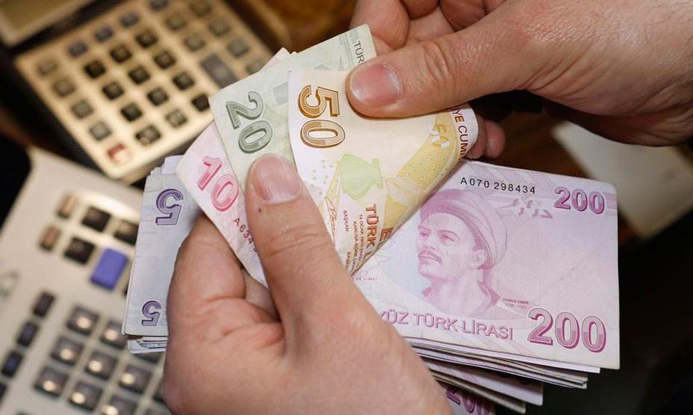 الليرة التركية تواصل التراجع أمام الدولار وترقب لبيانات التضخم