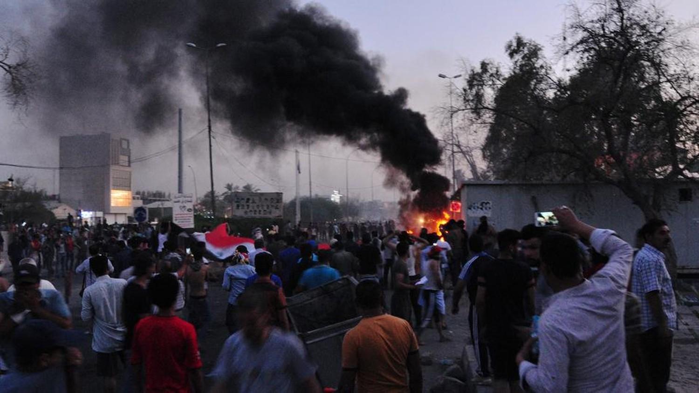 العراق.. مقتل متظاهر يشعل غضب أهل البصرة