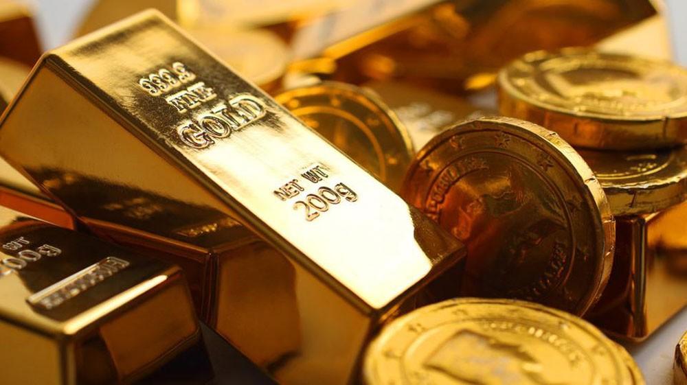 صعود الدولار مدعوماً بالمخاوف يضغط على المعدن الأصفر