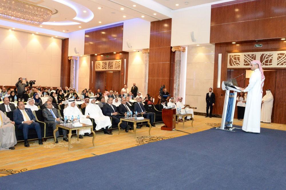 خلف يرعى مؤتمر المدن الذكية المستدامة الثالث