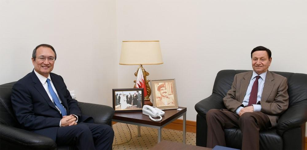 فخرو يشيد بالعلاقات الثنائية بين البحرين وجمهورية الصين