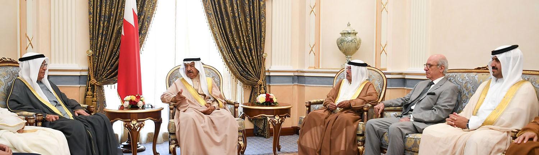 سمو رئيس الوزراء: تعامل جدي وبناء مع ما يطرحه المواطنون بوسائل الإعلام