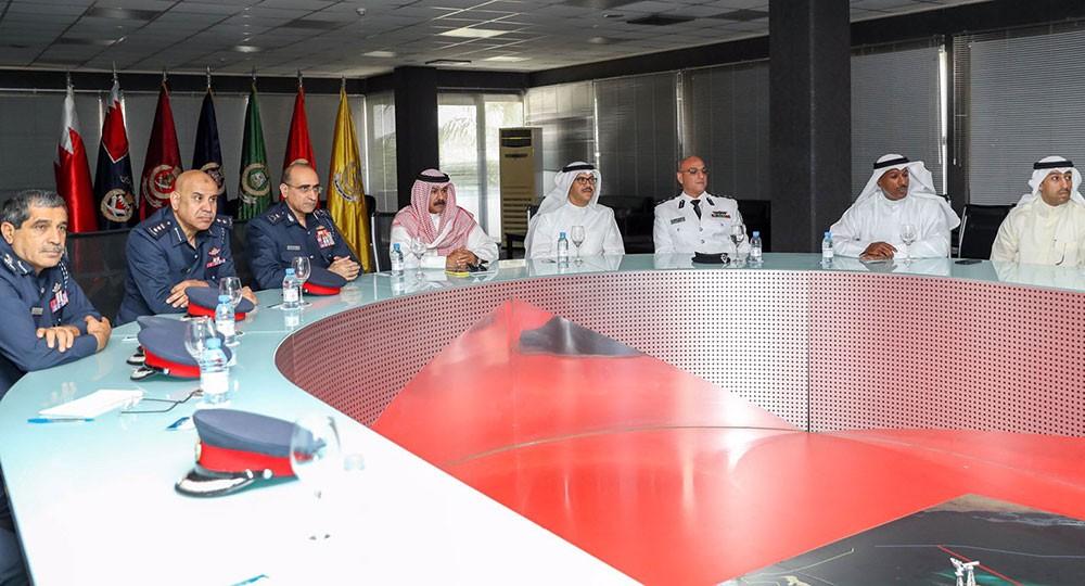 قائد خفر السواحل يبحث مع وكيل الداخلية الكويتية التعاون والتنسيق في مجال الأمن البحري