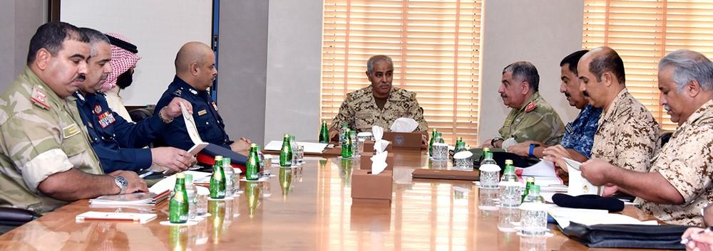 سعادة رئيس هيئة الأركان يترأس اجتماع اللجنة الأمنية المشتركة