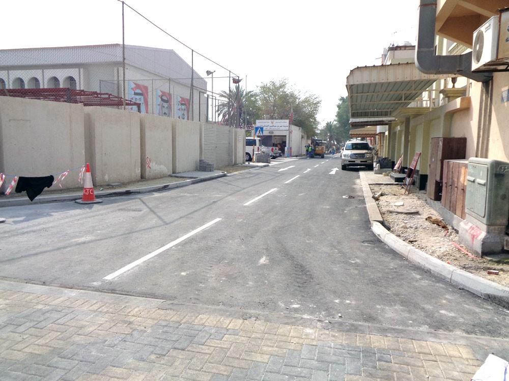 """""""الأشغال"""" تنفذ عدد من مشاريع الطرق المحيطة بالمدارس"""