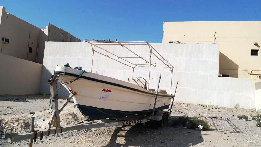 """بلدية """"الجنوبية"""" تزيل 30 قارب يشغل الطريق العام"""