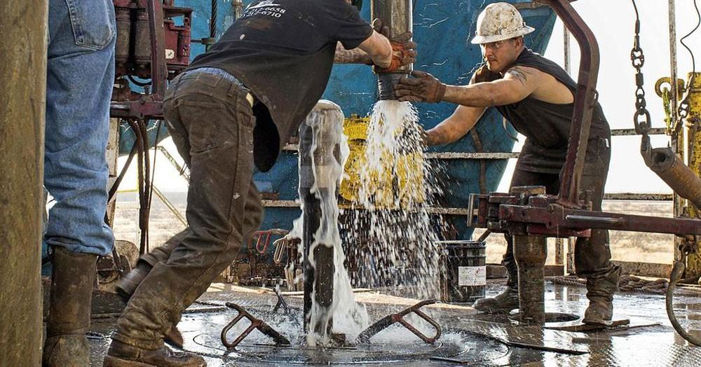 بيكر هيوز : عدد حفارات النفط في أمريكا يسجل ثاني انخفاض في ثلاثة أسابيع