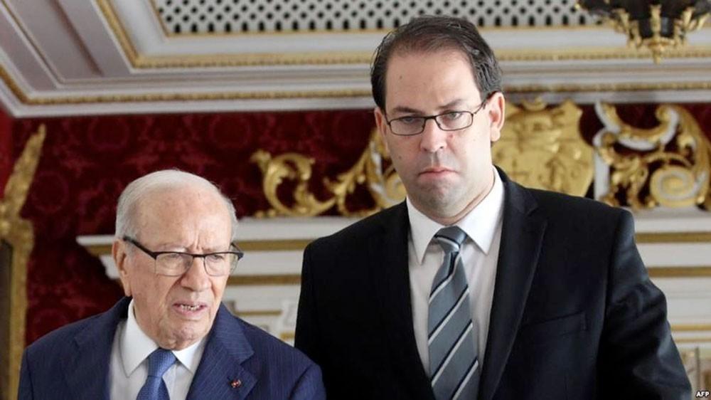 الشاهد يقسم حزب الرئيس التونسي.. 8 نواب يستقيلون