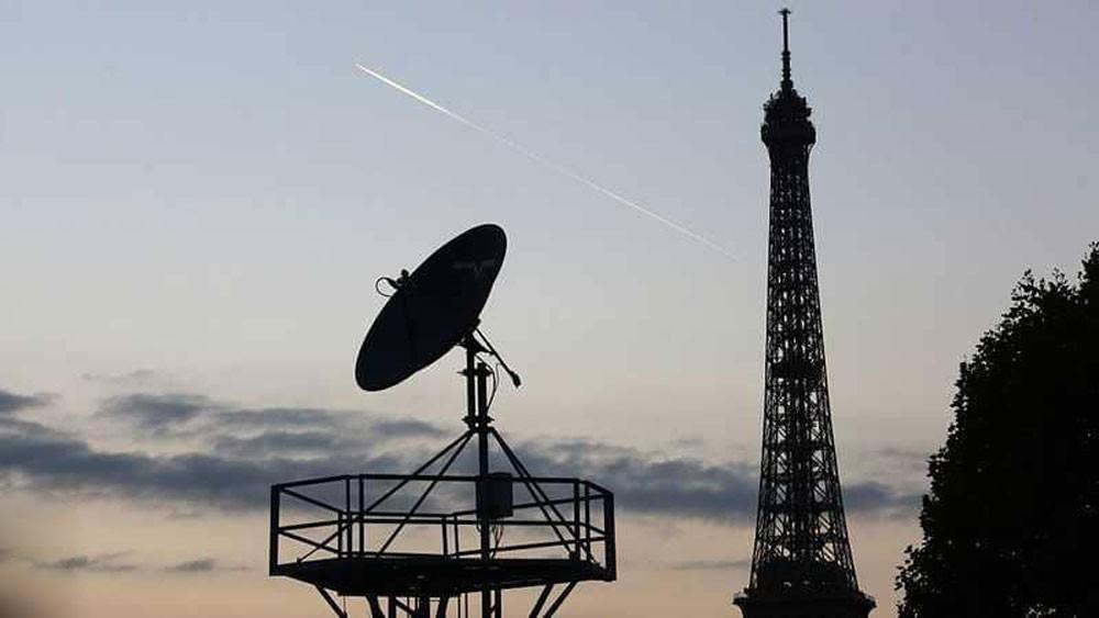 "فرنسا تستعد بـ ""عين لا تنام"" بعد اعتراض اتصالاتها"