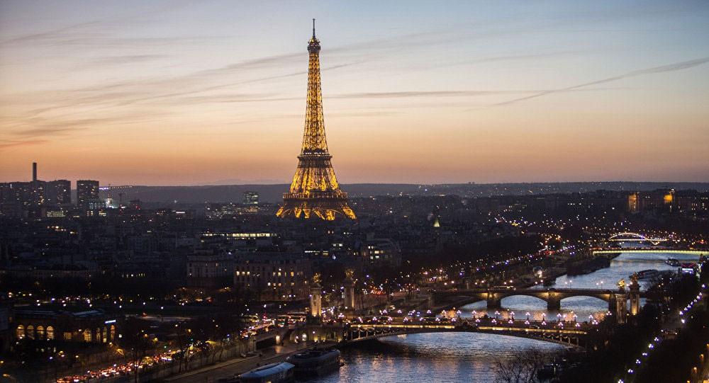 """""""عاصمة النور"""" تتجه نحو تطبيق قانون جديد قد يصدم السياح"""