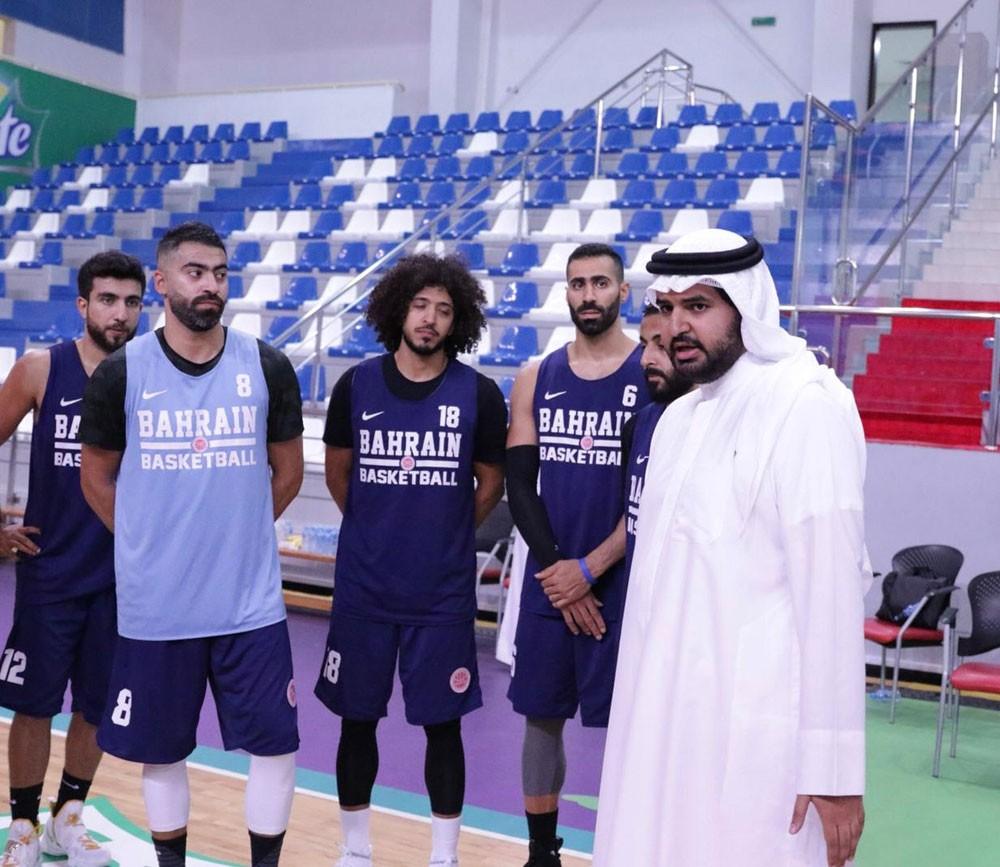 سمو الشيخ عيسى بن علي: ثقتنا كبيرة في لاعبي منتخبنا بتصفيات كأس آسيا