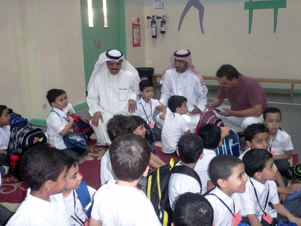 وزير التربية يطلع على أنشطة المدارس لاستقبال طلبتها المستجدين