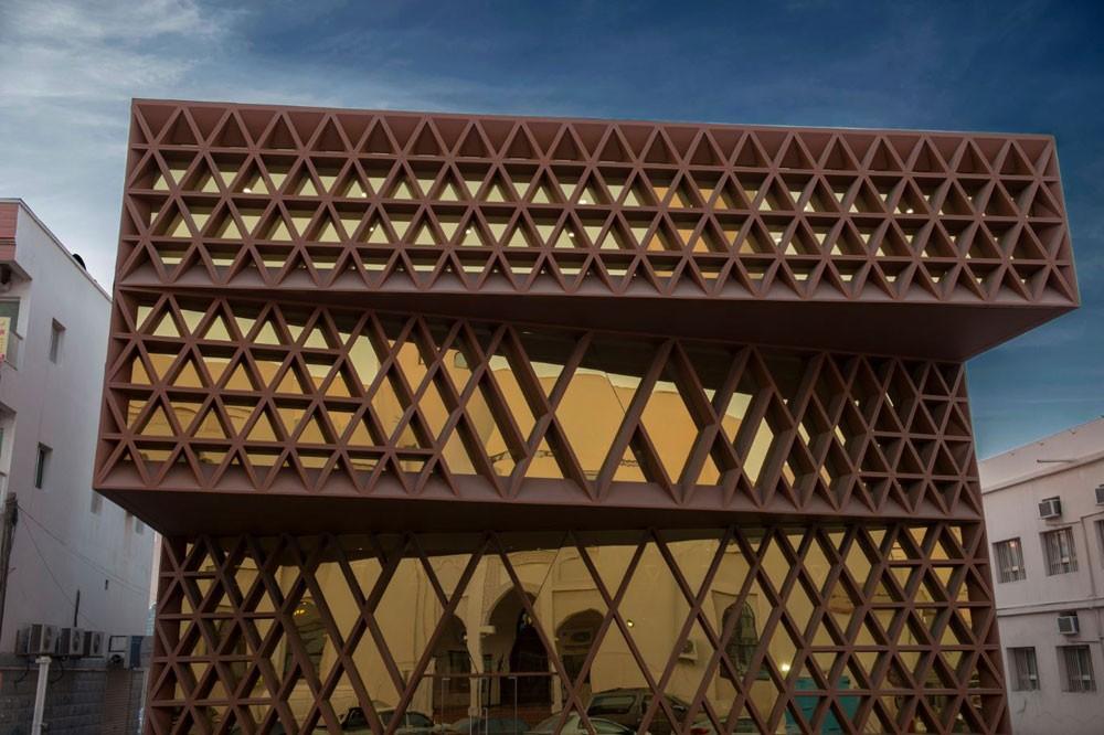 المكتبة الخليفية تقدّم محاضرة حول الثقافة العربية والإسلامية في أفريقيا