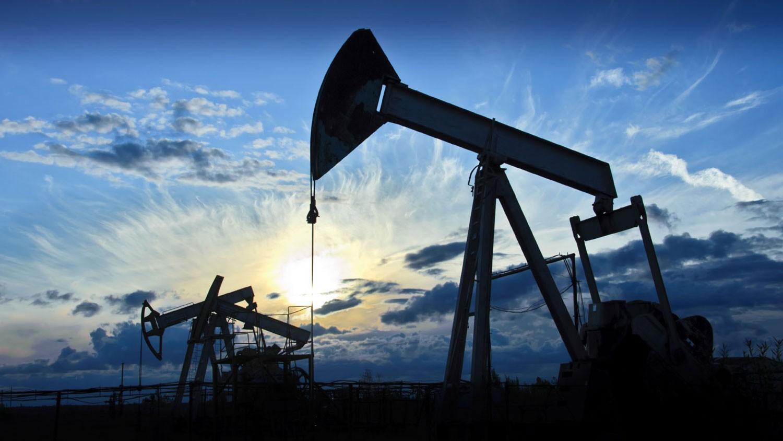 """النفط يرتفع مع اقتراب """"عقوبات إيران"""""""