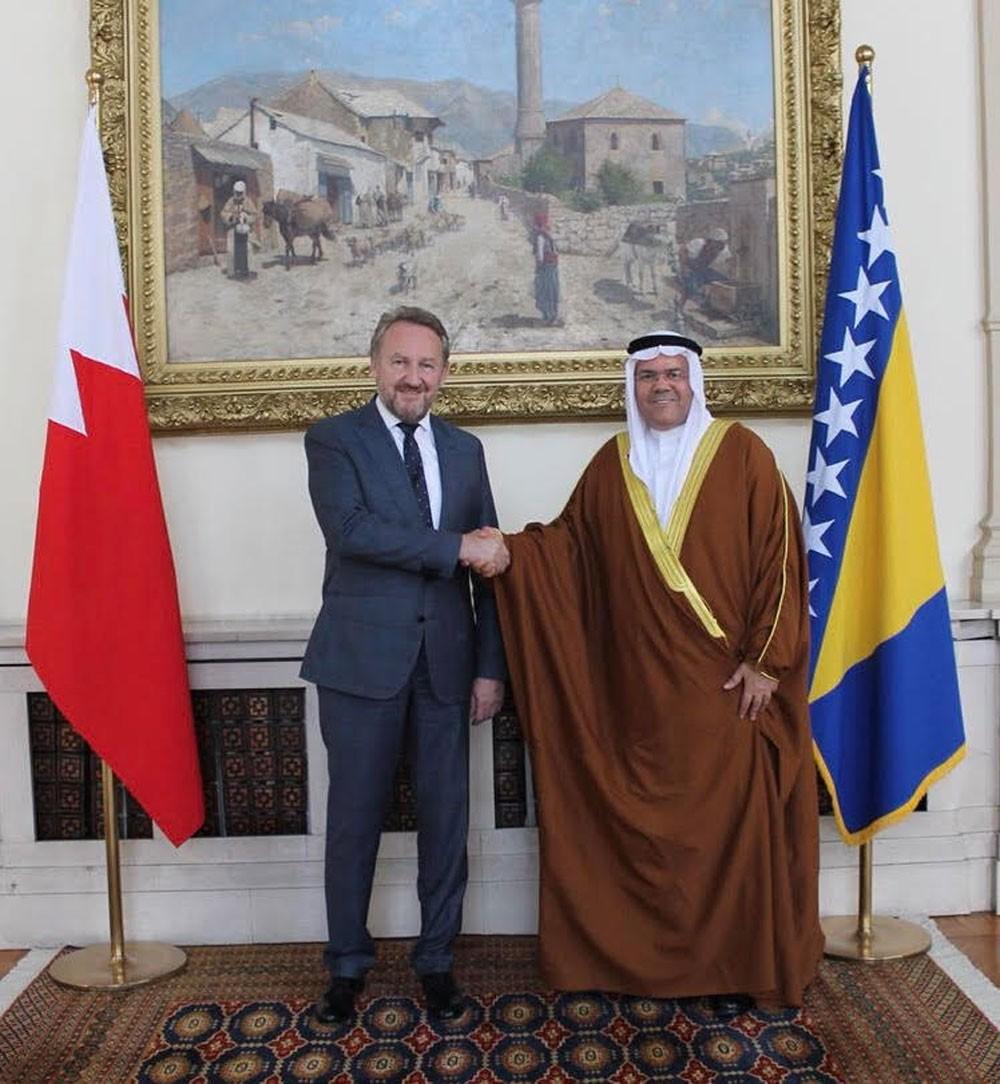 زعيم المجلس الرئاسي في البوسنة يتسلم أوراق اعتماد سفير البحرين