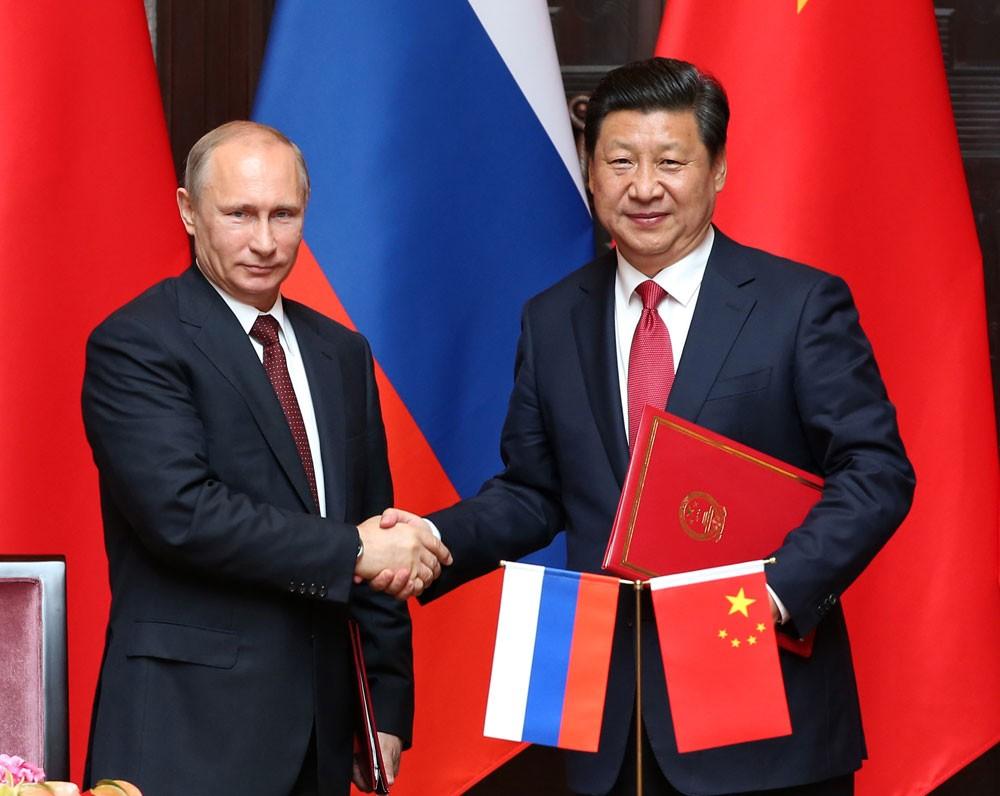 """روسيا والصين تسعيان لـ""""تهميش الدولار"""" في تجارتهما"""