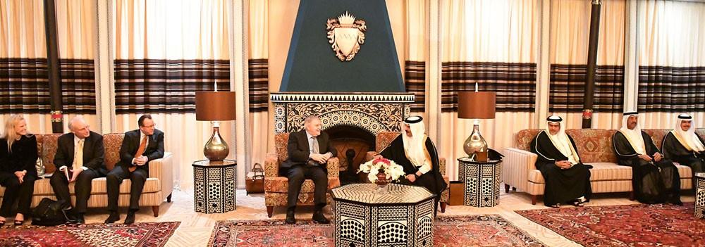 جلالة الملك يستقبل الجنرال المتقاعد أنتوني زيني ونائب مساعد وزير الخارجية الأمريكي