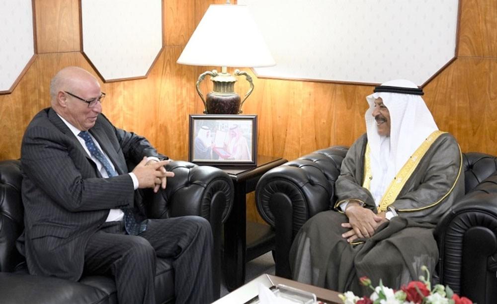 الصالح يعرب عن اعتزازه بعمق العلاقات البحرينية المغربية