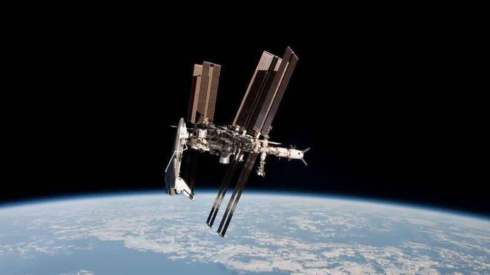 """لغز """"ثقب الجدار"""" في محطة الفضاء الدولية يثير مخاوف"""