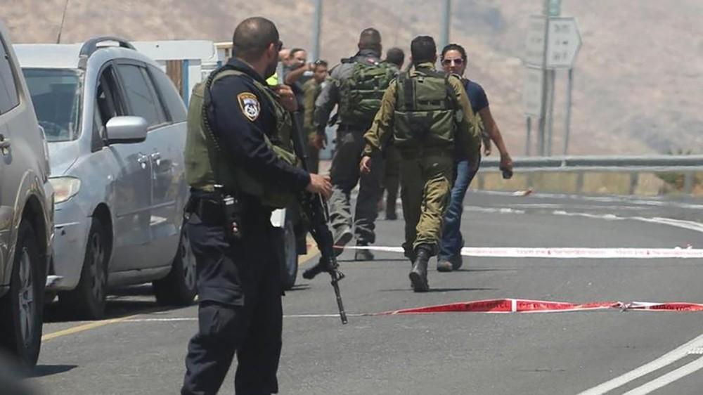 قوات إسرائيلية تداهم قرية الخان الأحمر تمهيداً لهدمها