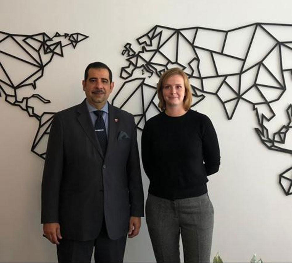 سفير البحرين بألمانيا يجتمع مع رئيسة لجنة حقوق الانسان بالبرلمان الألماني