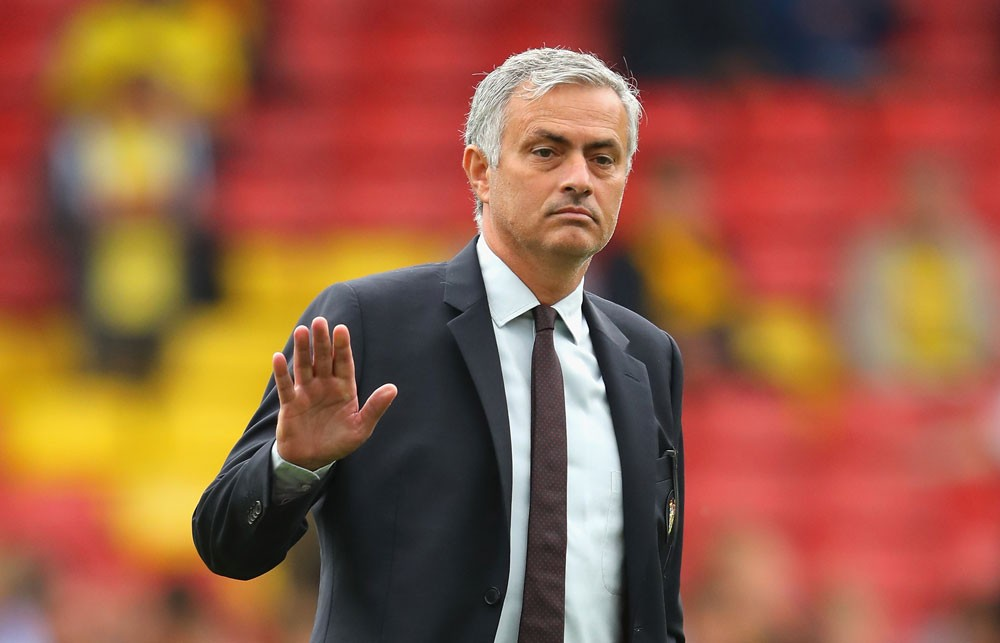 مورينيو يفقد صبره ويحتج لدى إدارة مانشستر يونايتد