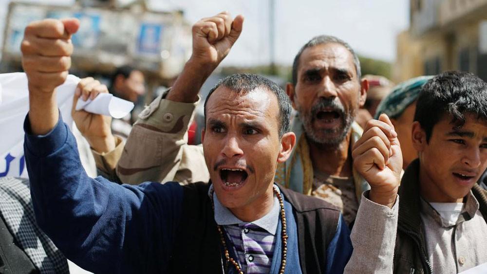 اليمن.. الشرعية تندد بتحصن الميليشيات بالمقرات الأممية