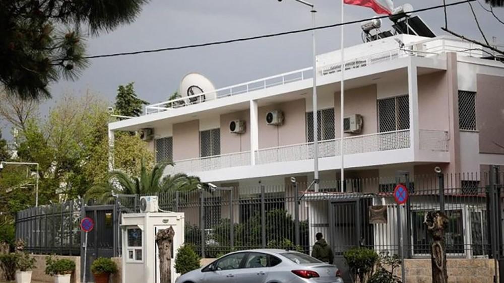 هجوم يستهدف السفارة الإيرانية في اليونان