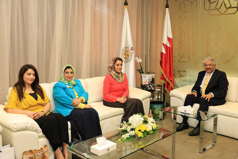 جامعتا البحرين والسلطان قابوس تسعيان إلى المزيد من التعاون المشترك