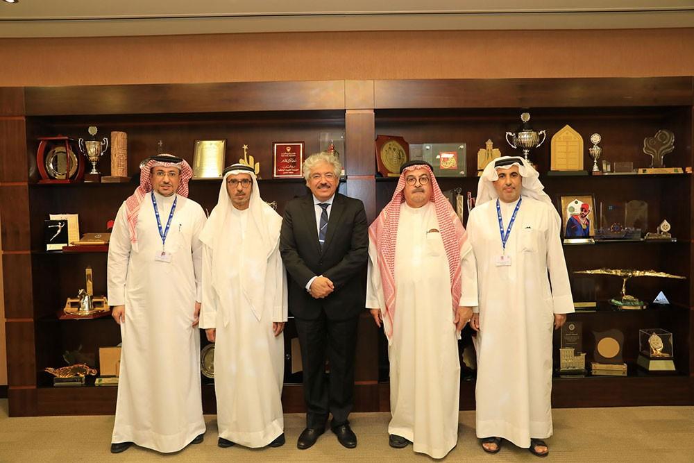 د.حمزة يحثّ الباحثين على تأصيل الهويّة التاريخية والجغرافية لمملكة البحرين
