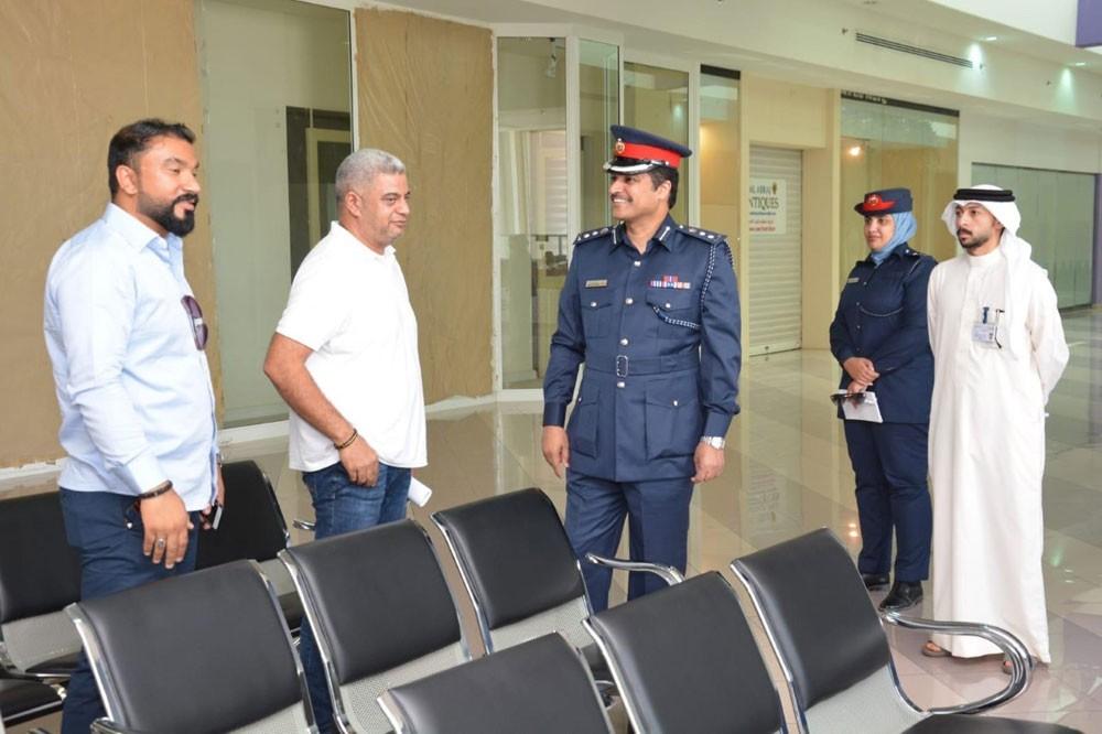 نائب مدير المرور يؤكد خلال زيارته مراكز الخدمات على سرعة انجاز المعاملات