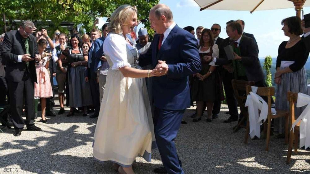 """بين بيروت وعمان.. حياة """"عروس النمسا"""" التي احتفى بها العرب"""