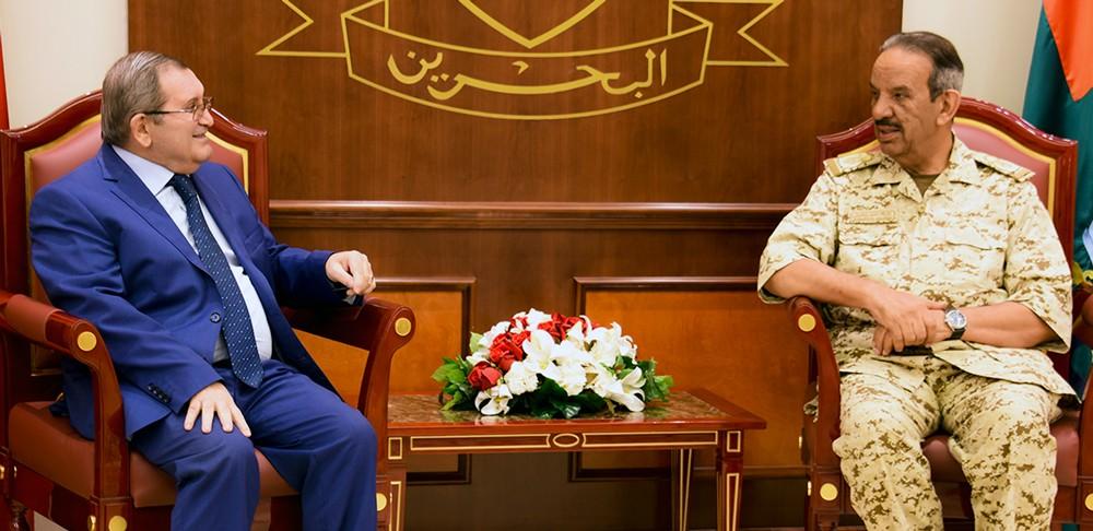 القائد العام لقوة دفاع البحرين يستقبل السفير الروسي